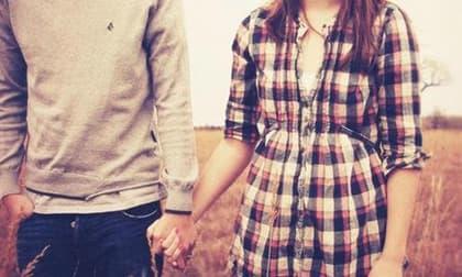 phụ nữ thích ôm từ phía sau, cuộc sống tình yêu, tình yêu đẹp
