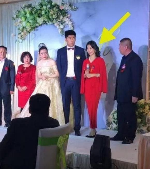 mẹ chồng xinh đẹp, mẹ chồng xinh đẹp trong đám cưới, mẹ chồng