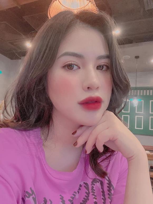 Diện bikini bốc lửa, vợ cũ Việt Anh chứng minh 'phụ nữ đẹp nhất khi không thuộc về ai'