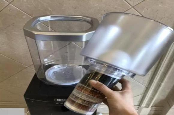 Máy lọc nước bạn sử dụng hàng ngày hóa ra rất bẩn! Học phương pháp này để tránh xa mối nguy hại cho sức khỏe