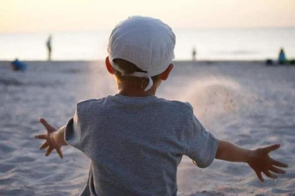 chăm sóc trẻ nhỏ, lưu ý khi chăm sóc trẻ, cách dạy con