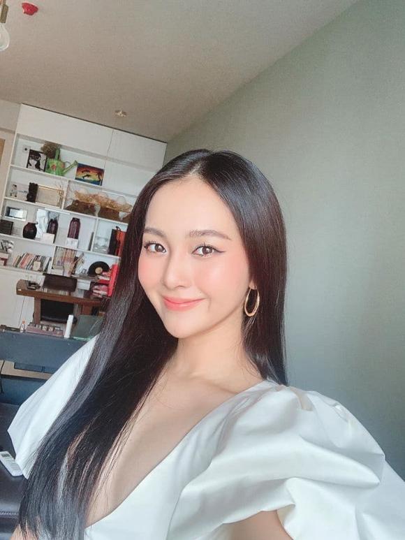 Bản sao của Angela Phương Trinh, Tam Triều Dâng, sao Việt