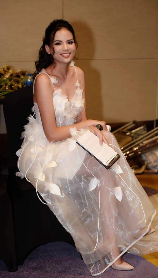 Tiêu Ngọc Linh, Hoa hậu Hoàn vũ Việt Nam, sao Việt