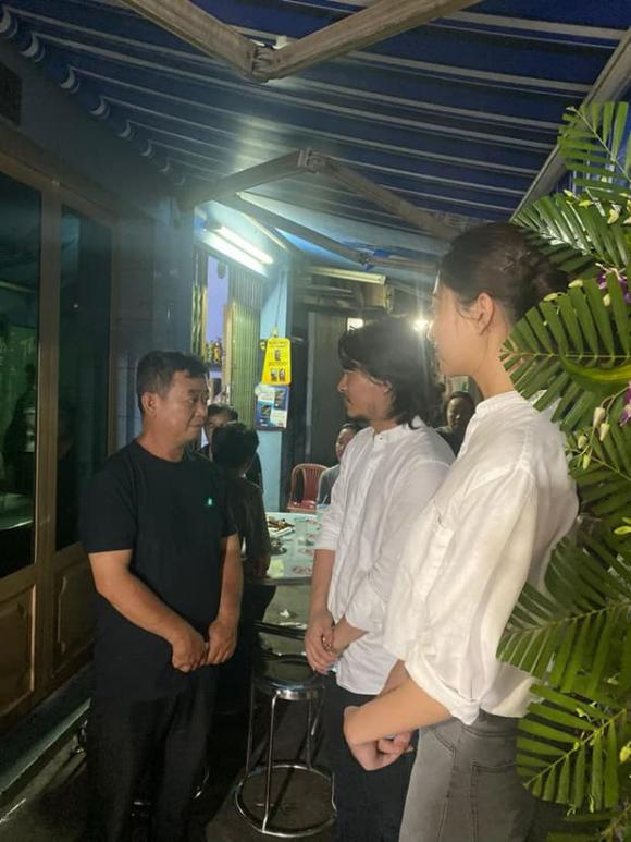 Hoa hậu Lương Thuỳ Linh đến viếng, Ốc Thanh Vân cùng dàn sao dành điều đặc biệt cho gia đình bé trai tử vong vì cây phượng bật gốc