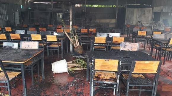 MC Nguyên Khang, nhà hàng cháy, sao Việt