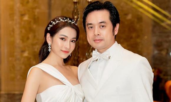 nhạc sĩ Dương Khắc Linh, ca sĩ Sara Lưu, sao việt