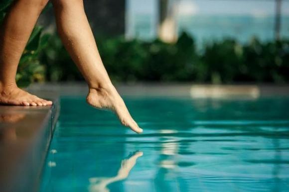 nước tiểu, bể bơi, đi bơi,