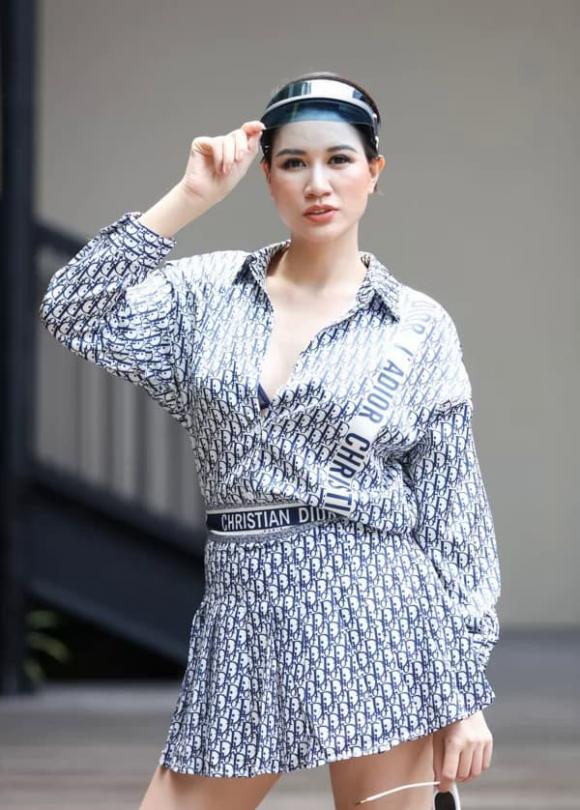 Người mẫu Trang Trần, tiến sĩ Lê Thẩm Dương, sao Việt