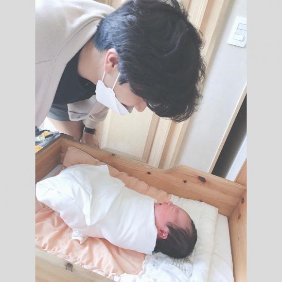 ahreum, cựu thành viên t-ara, sinh con, sao hàn