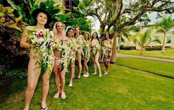 đám cưới khỏa thân, tổ chức đám cưới khỏa thân, đám cưới kì lạ