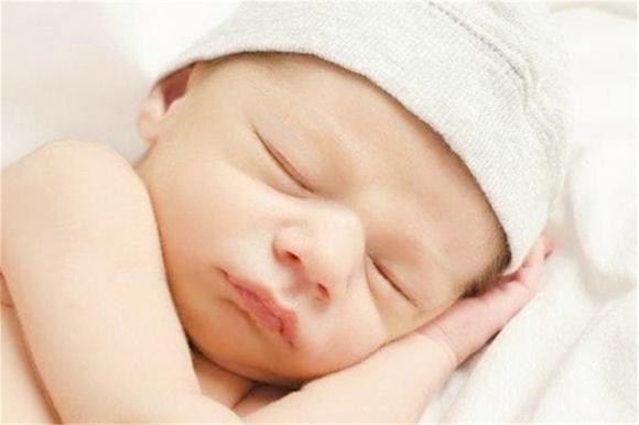 trẻ sơ sinh, bé xấu, chăm trẻ