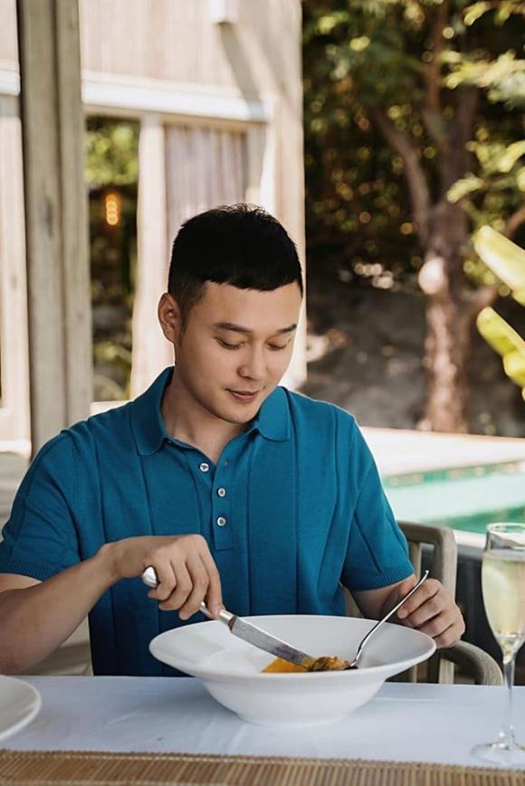 Phạm Quỳnh Anh dùng bữa tối lãng mạn bên bờ biển với Quang Vinh tại Phú Quốc