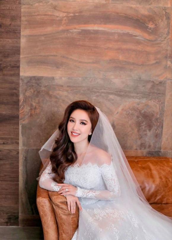 Bảo Thy, Bảo Thy mặc váy cưới, sao việt