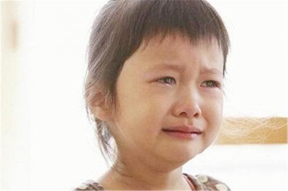 Cô giáo mẫu giáo gợi ý: Tốt nhất là đừng để con gái mặc váy đến trường, vì bốn lý do...