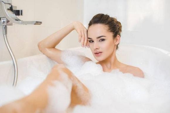 buồn tiểu khi đi tắm, chăm sóc sức khỏe, lưu ý khi chăm sóc sức khỏe