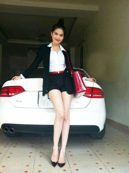 Ngọc Trinh, Ngọc Trinh mua siêu xe, sao việt