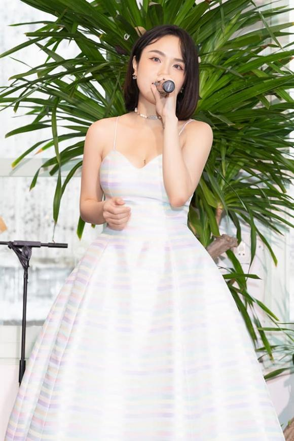 ca sĩ Thái Trinh, sao Việt