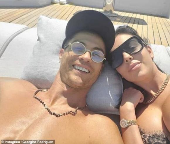 danh thủ Cristiano Ronaldo, georgina rodriguez, đính hôn