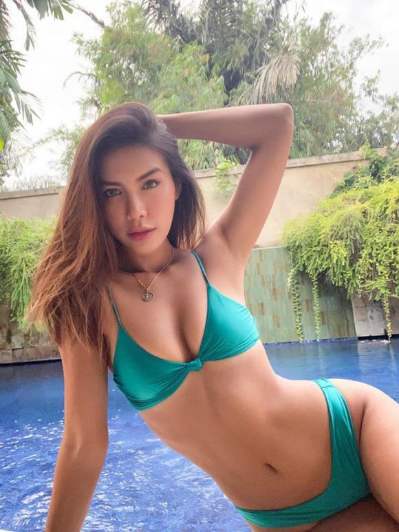 siêu mẫu Minh Tú, sao Việt