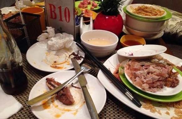 buffet, hành vi xấu, ăn lịch sự, sống văn minh