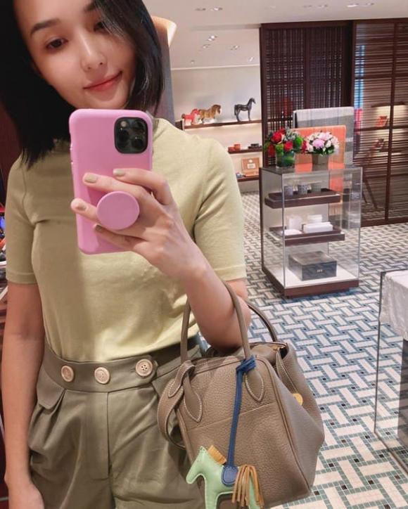 Quỳnh Anh, chị vợ Duy Mạnh, vợ cầu thủ Văn Quyết, Huyền Mi