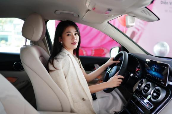 Ngọc Thảo, hot girl Ngọc Thảo, xe của Ngọc Thảo