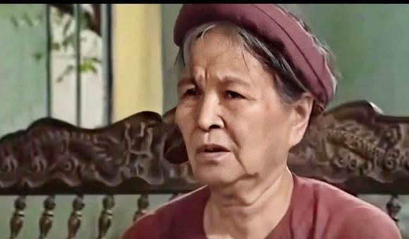 NSƯT Hoàng Yến, Hoàng Yến qua đời, sao việt
