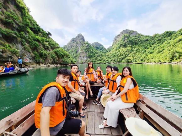 Đông Nhi, Đông Nhi du lịch, sao Việt