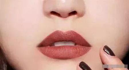 chọn son môi, son môi màu nào làm trắng da, người da vàng chọn son màu gì