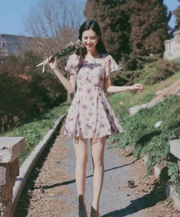 Những cô gái nhỏ dưới 1m58, hãy cố gắng tránh 3 kiểu váy này và chọn 2 kiểu còn lại để cao hơn