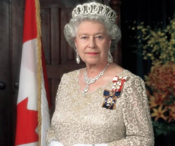 nữ hoàng anh, hoàng gia anh, về hưu