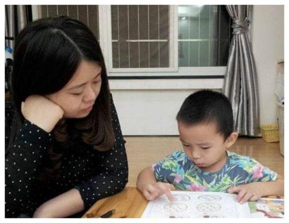 chăm trẻ, nuôi dạy trẻ, để quan hệ và con cái hòa hợp