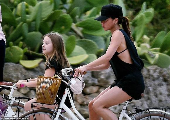 Gia đình David Beckham đưa con dâu tương lai đi du lịch Ý sau thời gian dài cách ly