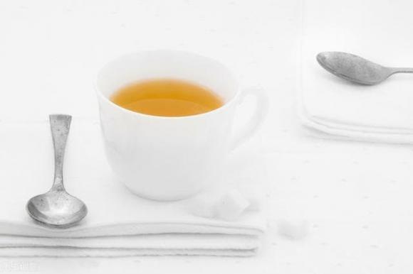 cốc uống nước, cốc không an toàn, chất liệu cốc chén, dùng cốc nào tốt