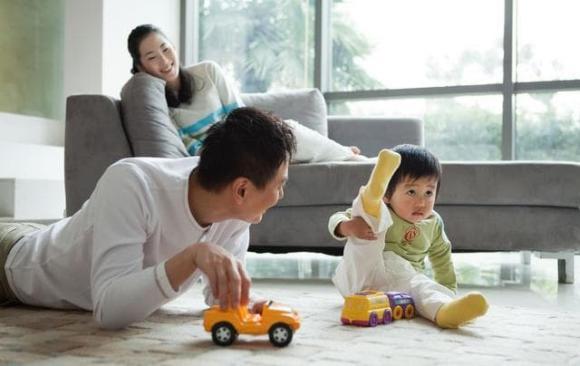 chăm trẻ, dạy trẻ, 'tư duy trò chơi', tăng khả năng học, dạy con