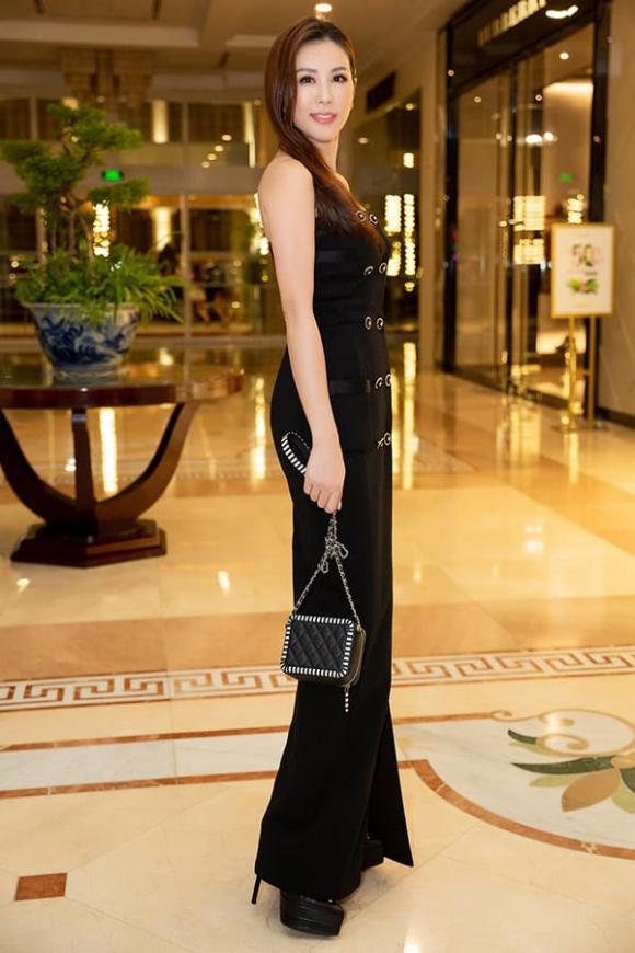Hoa hậu Thu Hoài tiết lộ cuộc sống hạnh phúc bên người yêu sau khi nhận lời cầu hôn ở Mỹ