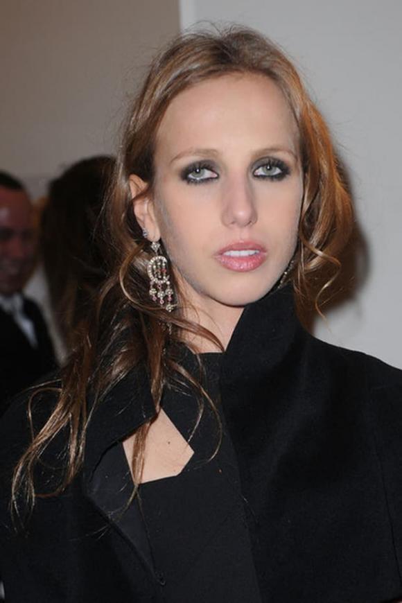 Allegra Versace, Ái nữ đế chế Versace