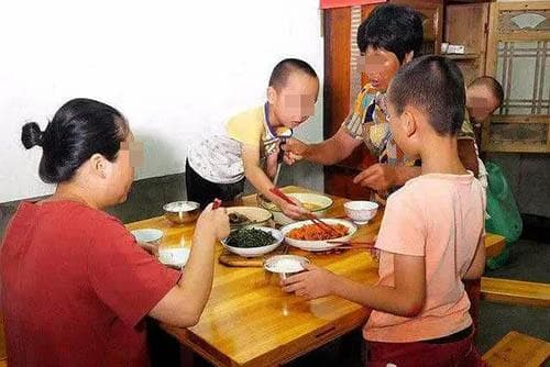 dạy con, bàn ăn, chăm con