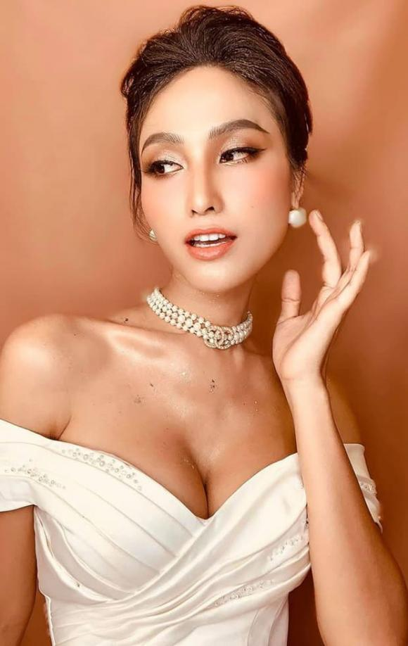 hoa hậu Hoài Sa, sao Việt