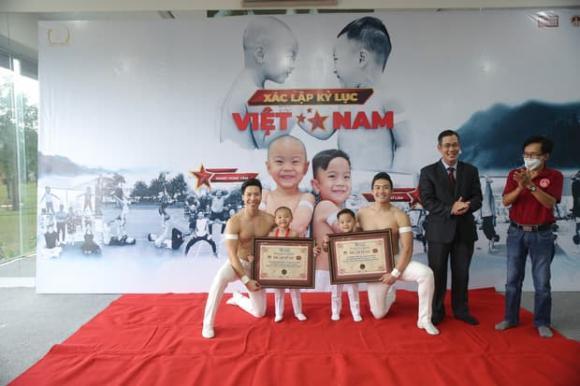 hoàng tử xiếc Quốc Cơ - Quốc Nghiệp, sao Việt