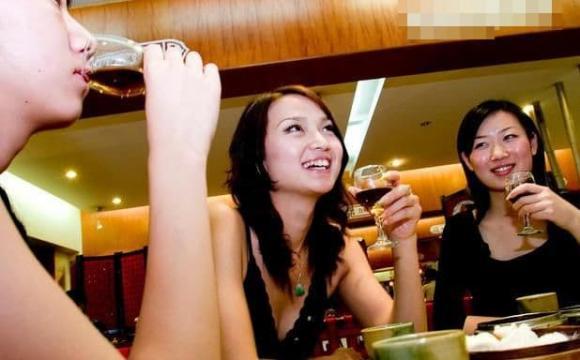 bàn rượu, quy tắc ăn uống, ứng xử nơi công sở