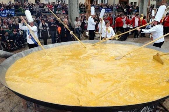 món trứng tráng, trứng tráng khổng lồ, Kỷ lục Guinness Thế giới