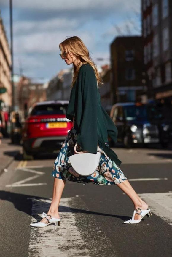 chọn giày, cách phối giày và váy, mẹo mặc đẹp, thời trang