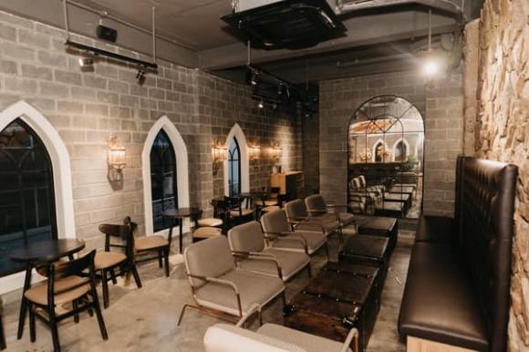 Castle De Café