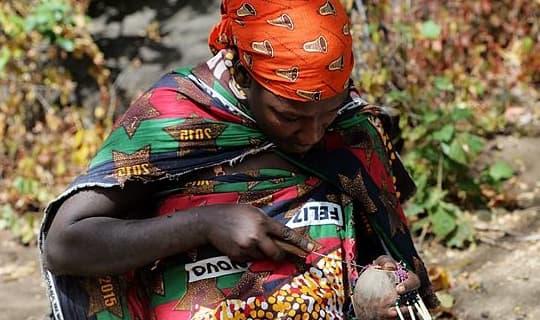 Tại sao người châu Phi không làm nông? Người Hadza đã trả lời một cách đáng ngạc nhiên, kiếm sống bằng cách đi chơi