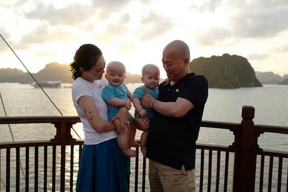Mẹ chồng ca nương Kiều Anh 'tố' chồng trước sau bất nhất về chuyện con cái, kết quả có thêm cặp song sinh ở tuổi U50