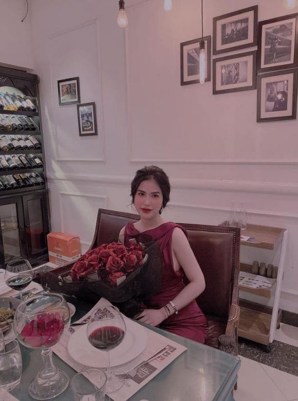 Lê Việt Anh hội ngộ vợ cũ Hương Trần, tổ chức tiệc kỷ niệm một năm rưỡi ly hôn 'siêu lãng mạn'