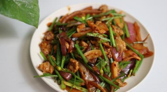 thịt bò, xào thịt bò, mẹo nấu ăn, dạy nấu ăn,  thịt bò xào rêu tỏi