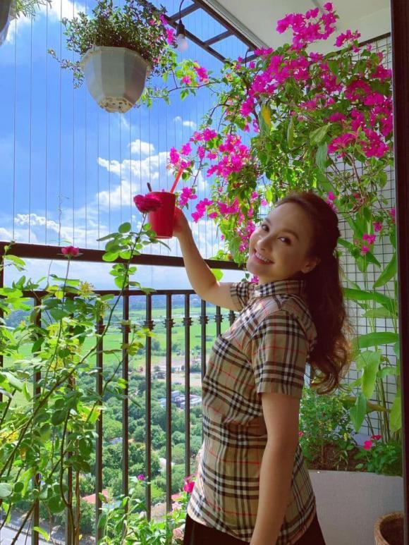 Sau quyết định tạm dừng đóng phim, Bảo Thanh chăm diện bikini gợi cảm nhờ chồng 'chụp có tâm'