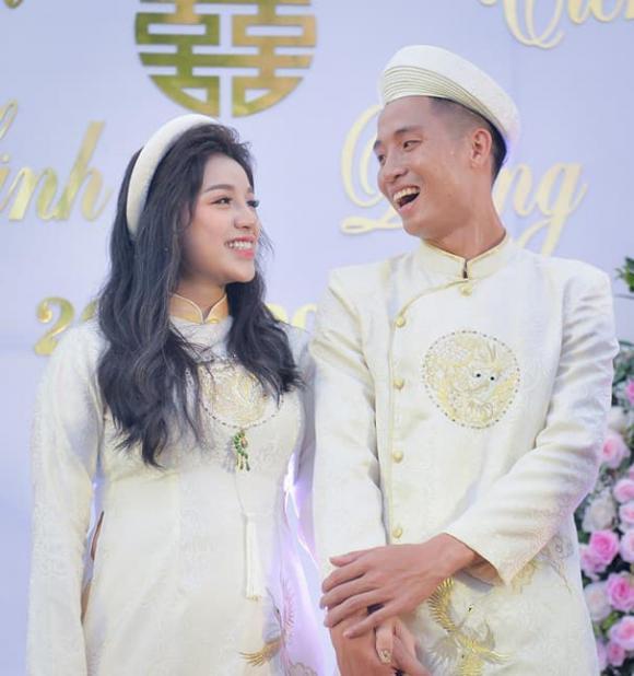 Đã sinh con và làm lễ ăn hỏi, Khánh Linh bất ngờ xác nhận là mẹ đơn thân, xóa hết ảnh và hủy theo dõi cầu thủ Tiến Dũng?